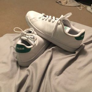 Adidas Advantage Shoes size 8 men's 9.5 woman !